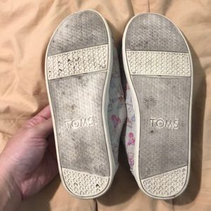 Toms Shoes - Toms Youth Butterfly Slip-ons!